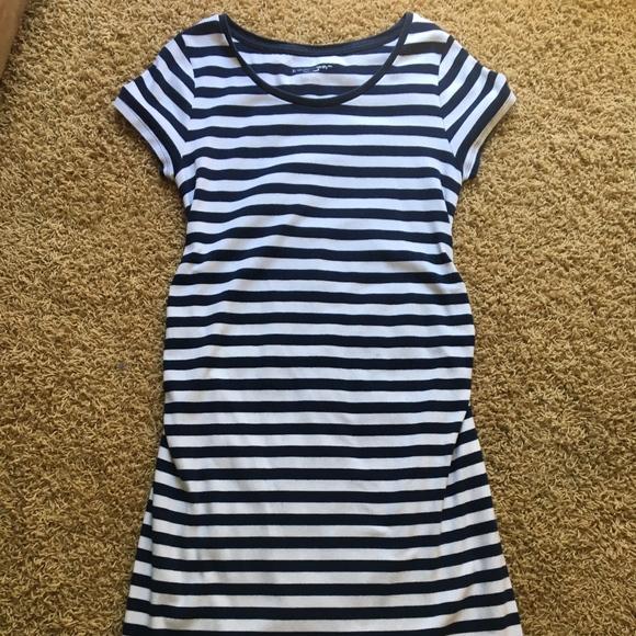 196123c5721af Liz Lange for Target Dresses & Skirts - Liz Lange Maternity T-shirt Dress  Navy